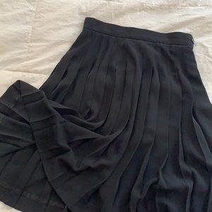🌻Vintage Liz Claiborne Black Pleated Midi Skirt🌻